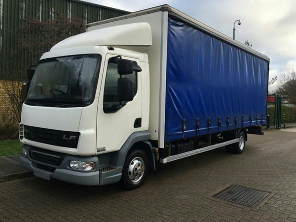 7.5 Tonne Curtain Side Truck Hire